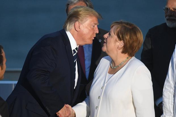 Фото №1 - «Глупая» Ангела Меркель и «бесхребетная» Тереза Мэй: что Трамп думает о мировых лидерах-женщинах