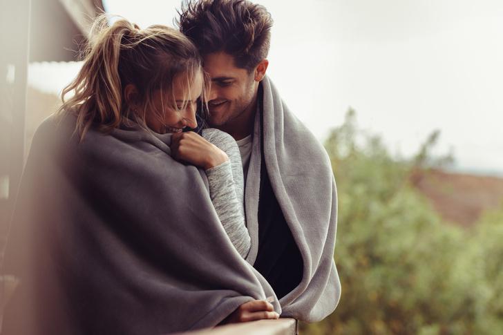 Фото №1 - Романтика, расчет или дружба: типы отношений в браке