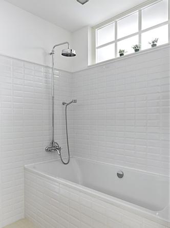 Фото №5 - Вопросы читателей: окно в ванной комнате
