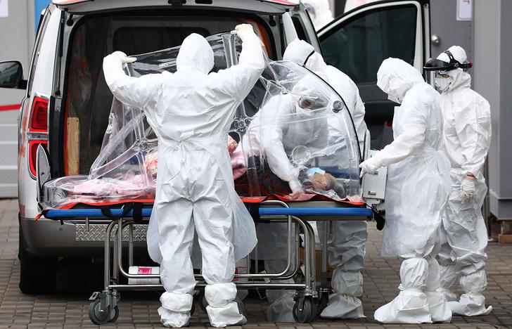 Фото №1 - Английская компания ищет добровольцев, согласных заразиться коронавирусом за 3500 фунтов