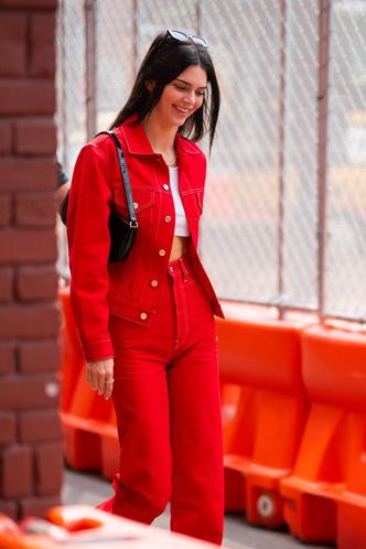 Фото №29 - Свитер и джинсы— это скучно. Лови 40 модных идей, что носить осенью 2021 😎