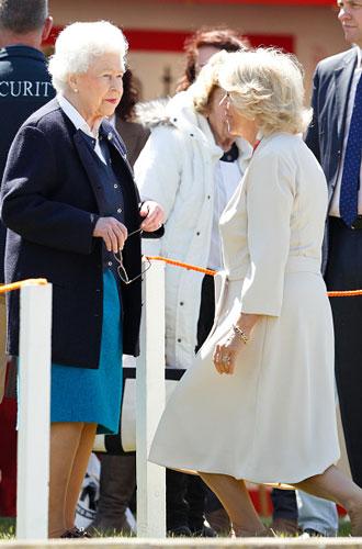 Фото №2 - Что могут короли: как проходит типичный день Елизаветы II в Букингемском дворце