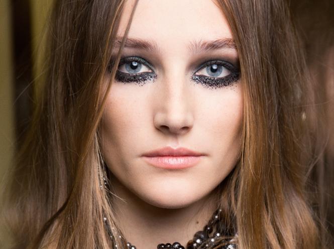 Фото №5 - Магия металла: макияж с показа коллекции Chanel Métiers d'Art 2016