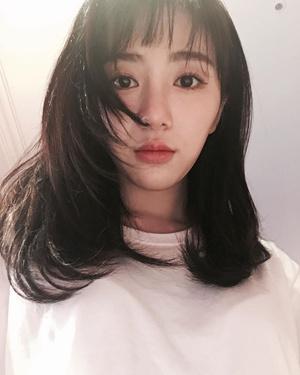 Фото №1 - Мина из AOA призналась, что чуть не покончила с собой из-за буллинга со стороны другой участницы группы