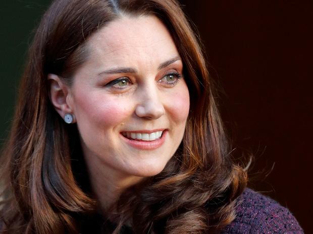 Фото №1 - Ход герцогини: почему поклонники БКС уверены, что скоро Кейт объявит о четвертой беременности