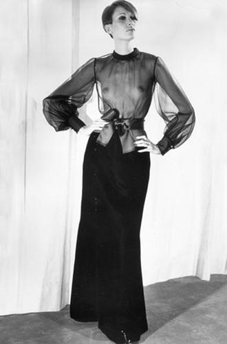 Фото №5 - Вещи-легенды: модное наследие Yves Saint-Laurent
