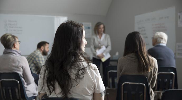 Группы взаимопомощи: могут ли они заменить психотерапию?