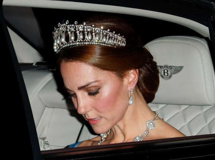 Фото №4 - Продуманный шаг: зачем герцогиня Кейт подружилась со стилистом Королевы