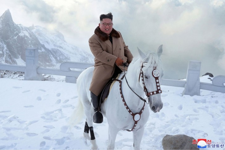 Фото №1 - «Вероятность — 99%»: перебежчик из КНДР сообщил о смерти Ким Чен Ына