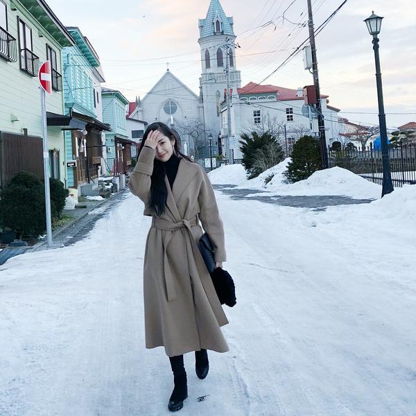 Фото №4 - 10 самых стильных образов этой весны от Пак Мин Ëн