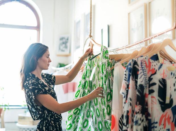 Фото №4 - Плохой шопинг: 7 причин, почему вам хочется сбежать из примерочной