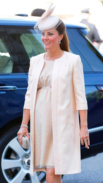 Фото №2 - Почему Кембриджские не хотели сообщать королевской семье о первой беременности Кейт