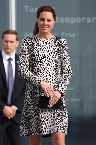 Фото №22 - Королевский дресс-код: любимые сумки герцогини Кембриджской