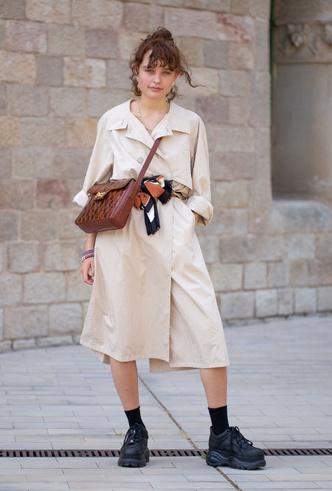 Фото №21 - Как носить шелковые платки: 10 самых простых и стильных способов
