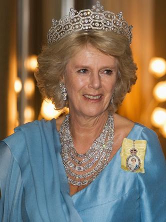 Фото №21 - Шкатулка будущей королевы: любимые украшения герцогини Камиллы
