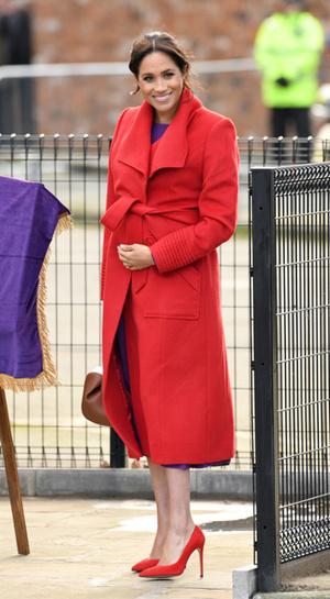 Фото №9 - Почему герцогиня Меган не отказывается от шпилек во время беременности