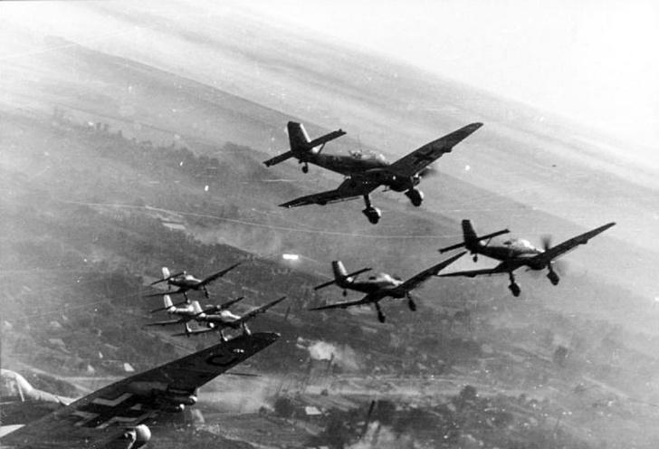 Фото №3 - Почему немецкие бомбардировщики издавали такой страшный звук