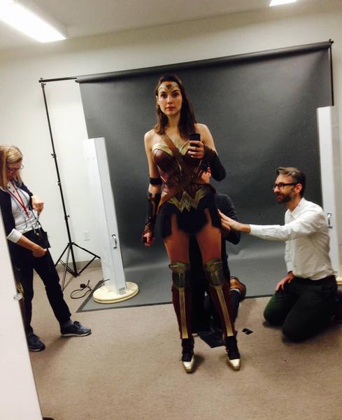 Фото №1 - Работа над третьим фильмом «Чудо-женщина 3» официально стартовала!