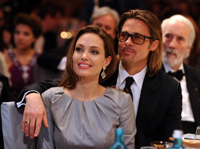Фото №2 - Астропсихолог: разведутся или нет Анджелина Джоли и Брэд Питт