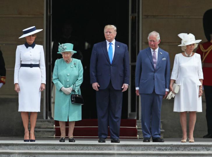 Фото №2 - Как Королева встретила Дональда и Меланию Трамп