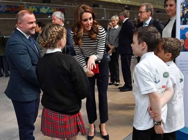 Фото №4 - Как проходит типичный день герцогини Кейт во дворце