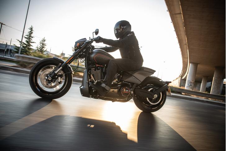 Фото №5 - 5 мифов о харлее: тест-райд Harley-Davidson FXDR