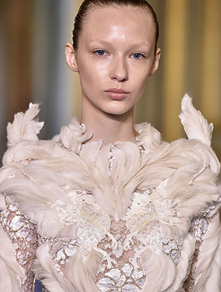 Фото №19 - В деталях: лучшие свадебные платья haute couture осень/зима 2016
