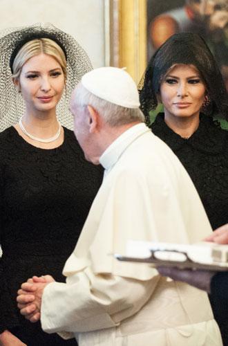 Фото №14 - Этикет первых леди: что можно (и нельзя) супругам президентов