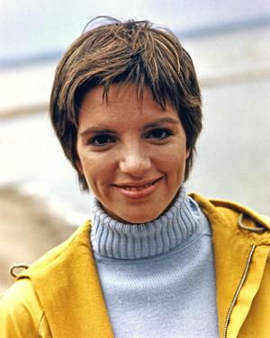 Фото №3 - Стрижки как у Хепберн, Бардо и других кинодив 60-х, которые мы снова будем носить
