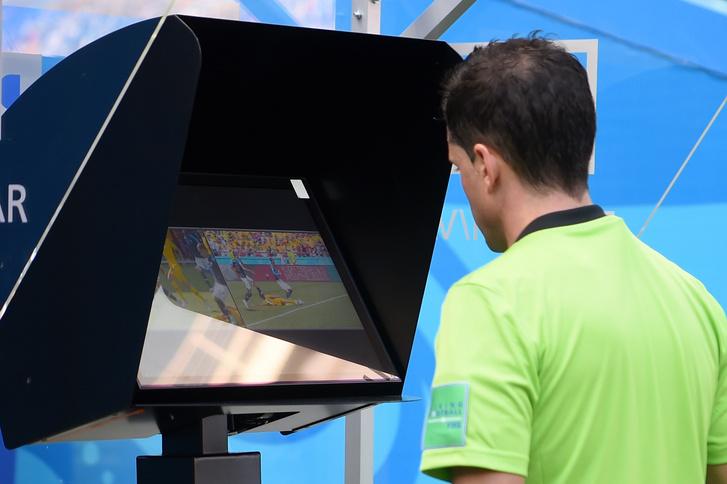 Фото №3 - Скорая видеопомощь: как технологии изменили футбол