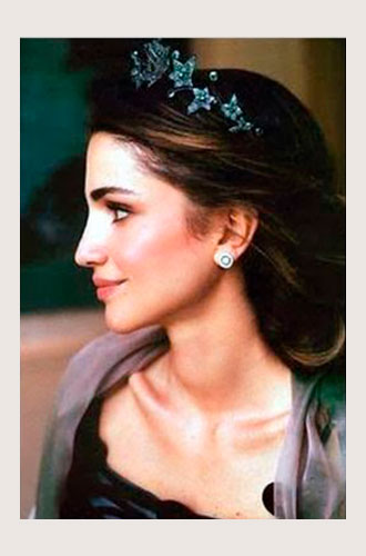 Фото №14 - Самые красивые королевские тиары современности