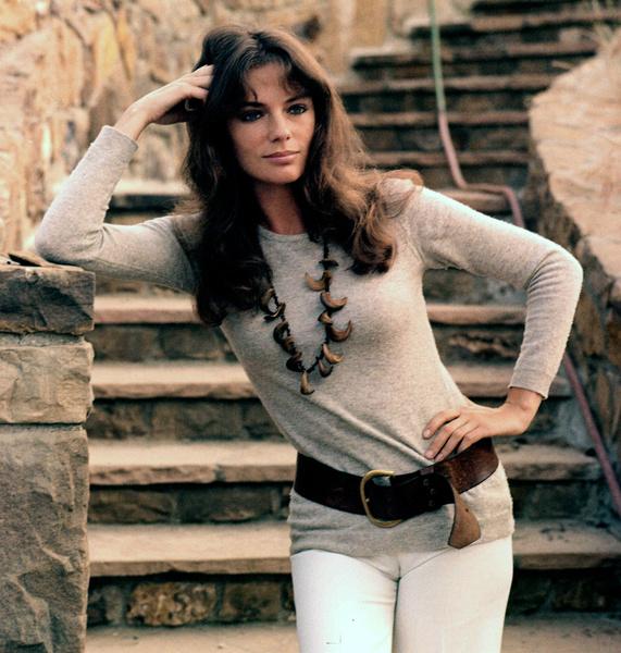 Жаклин Биссет фото 1973 год