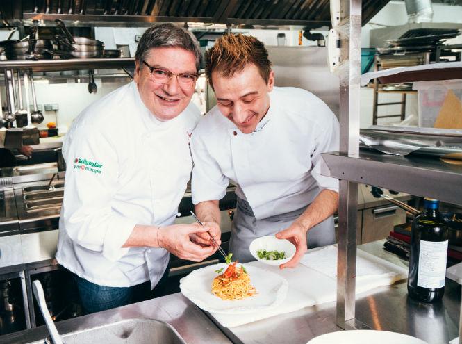 Фото №2 - Рецепт от шефа: секрет сицилийской пасты с креветками