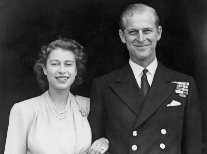 Фото №1 - Плохая партия: почему родители Елизаветы были против ее брака с принцем Филиппом