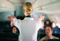 «Мы не знакомимся в самолете»: стюардесса раскрывает секреты профессии