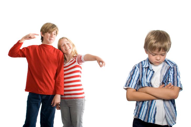 Фото №2 - Дразнить и обзывать: почему все дети должны это делать