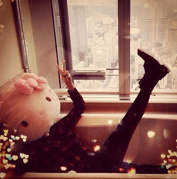 Фото №12 - Звездный Instagram: Знаменитости расслабляются