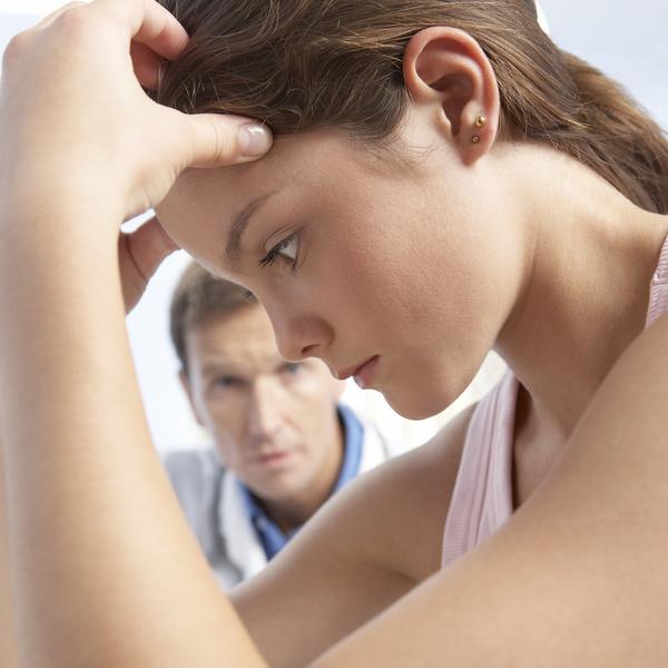 Фото №1 - «Я этого недостойна»: 4 признака, что у вас— синдром самозванца