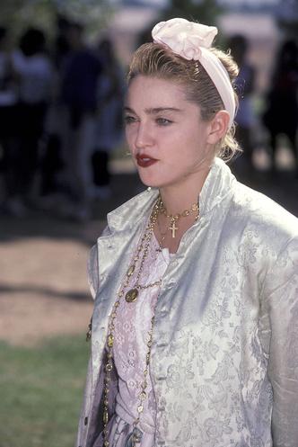 Фото №5 - Королева скандала: самые запоминающиеся образы Мадонны