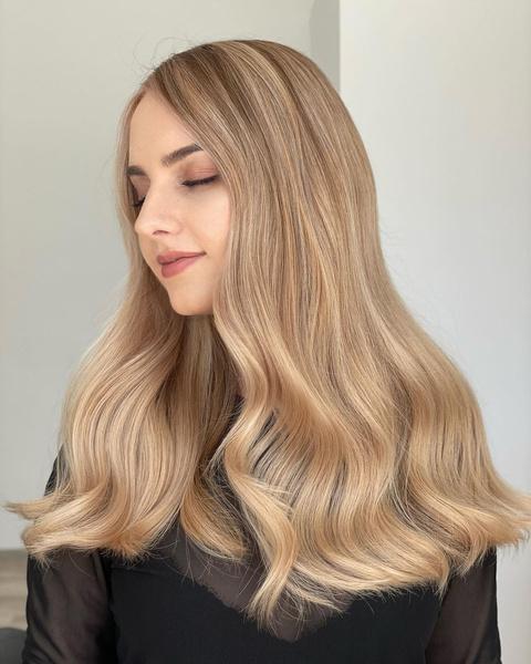 Фото №5 - Медовый блонд: самый летний модный оттенок волос🍯