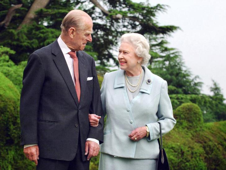 Фото №1 - Последнее (и очень трогательное) обещание, которое Королева дала Филиппу перед его смертью