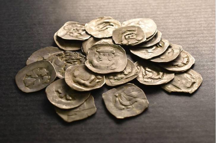 Фото №1 - Турист нашел в Словакии средневековый клад