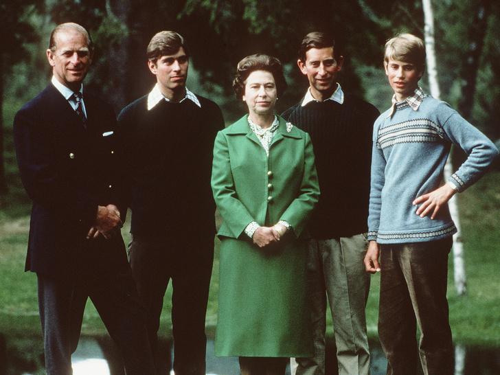 Фото №1 - Почему королевским наследникам запрещено называть родителей мамой и папой