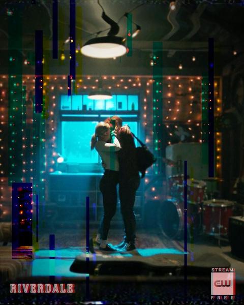 Фото №1 - Ты будешь в шоке: все, что мы знаем о 5 сезоне «Ривердейла»
