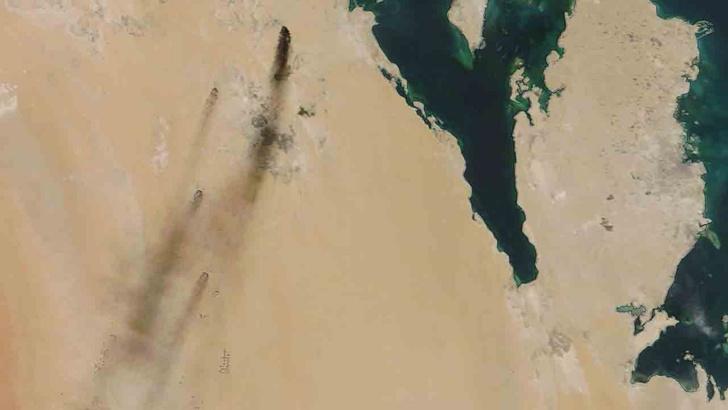 Пожары на саудовских НПЗ, фото со спутника.