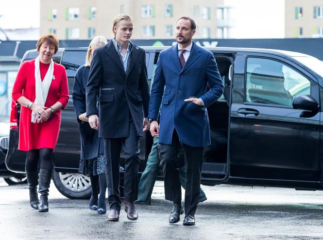 Фото №2 - В королевской семье Норвегии появилась своя  «Меган Маркл»