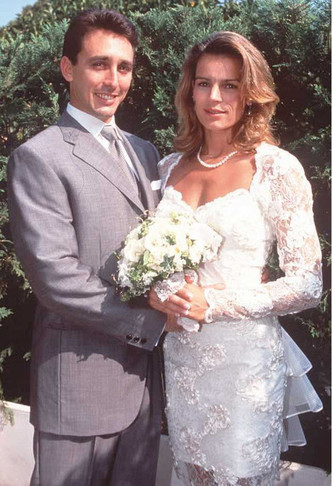 Фото №12 - «Ни один Гримальди не будет счастлив в браке»: 7 жертв проклятия княжеской семьи Монако