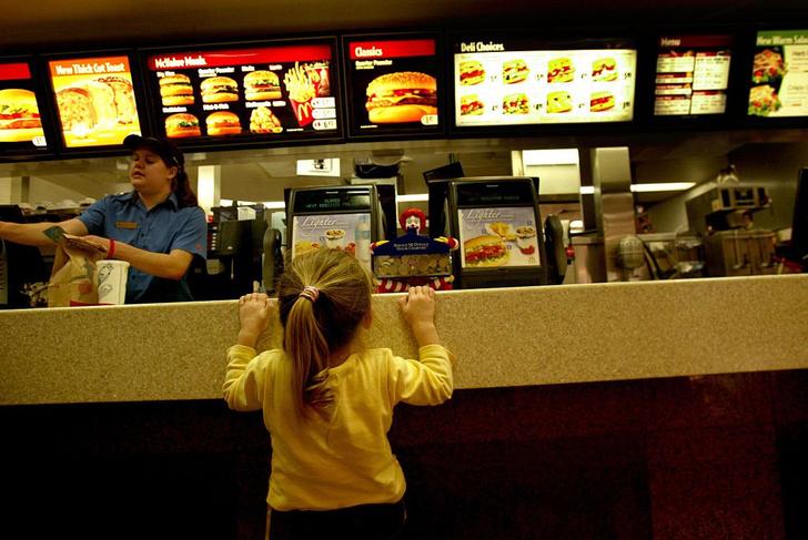 Фото №1 - Число детей с ожирением увеличилось в 10 раз