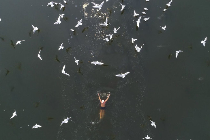 Фото №1 - Зимний заплыв