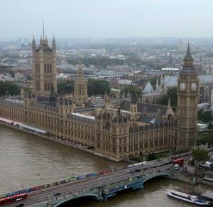 Фото №1 - Британские визы дорожают